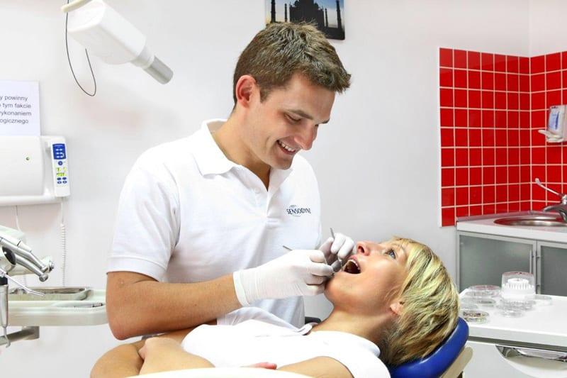 Bartosz Gross, lekarz stomatolog
